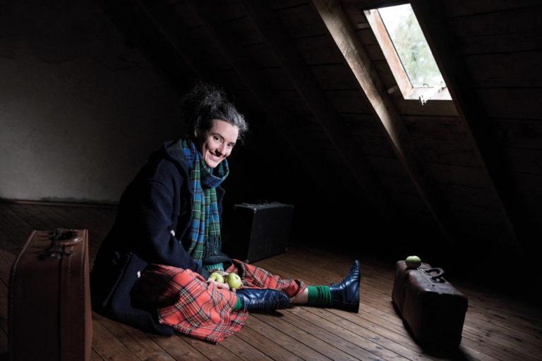 Anna Duval Guennoc : c'hoari en ur ganañ, tresañ ar bed…